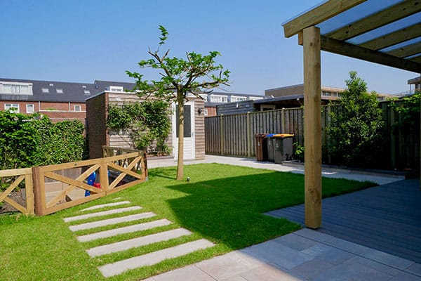 Aangelegde tuin door Schoffelstudent & Hoveniers