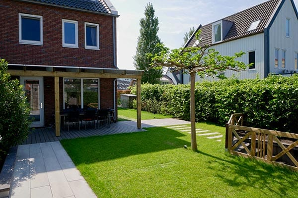 EIndresultaat van tuin die gerealiseerd is met een tuinontwerp