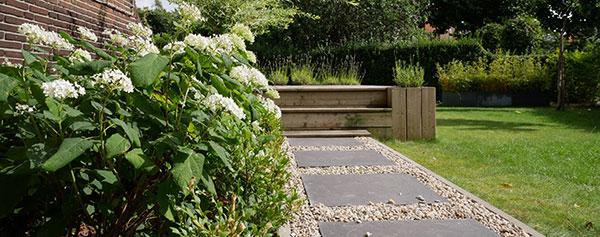 Tuinrenovatie met klassieke grind