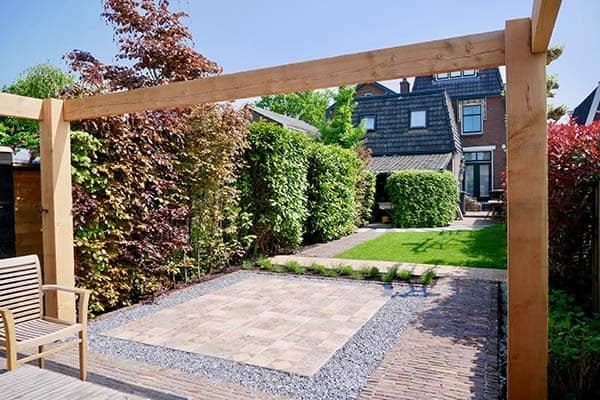 Aangelegde tuin in Bodegraven